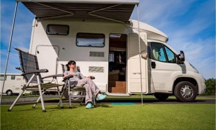 Can I Live In An RV?