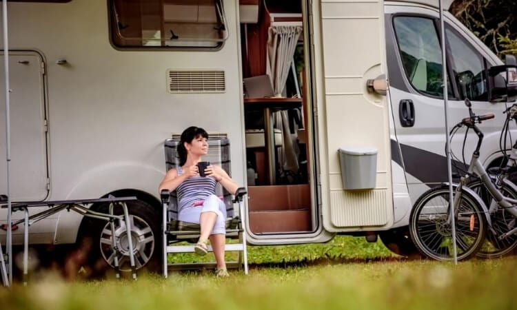 Can You Live In An RV Full Time?– Living The Off-Grid Life