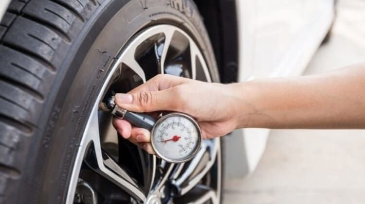 Best Tire Gauge For Your RV