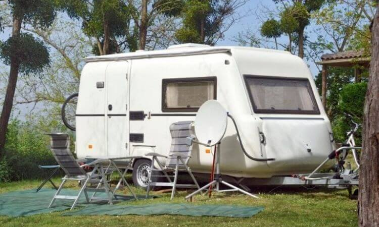 In this article, we will show you the five best dish antennas for RV in the market today.