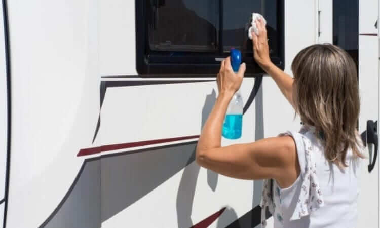 The 5 Best Waxes for Gelcoat RV