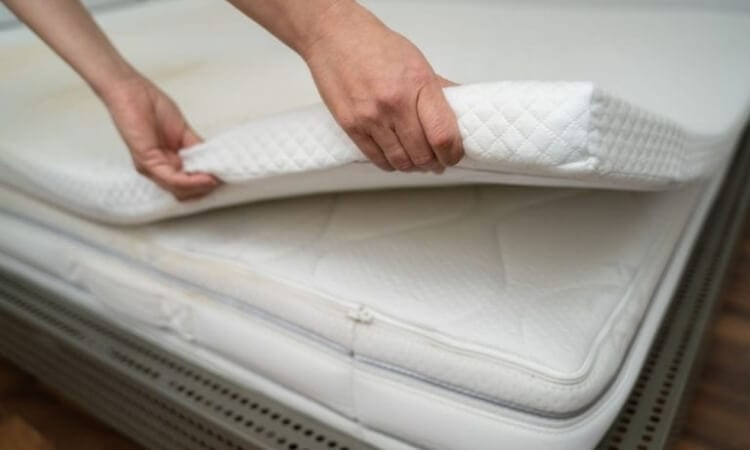 Top 5 Best Mattress Toppers For RV Beds