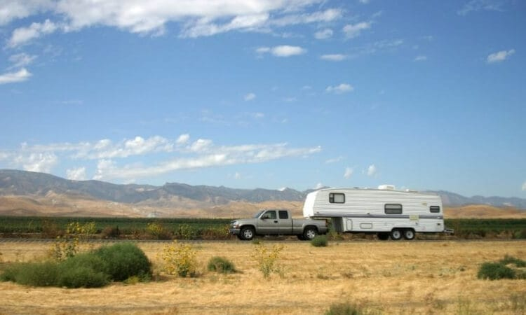 What Is The Best Tow Vehicle For An RV?– Going For An Easy Ride