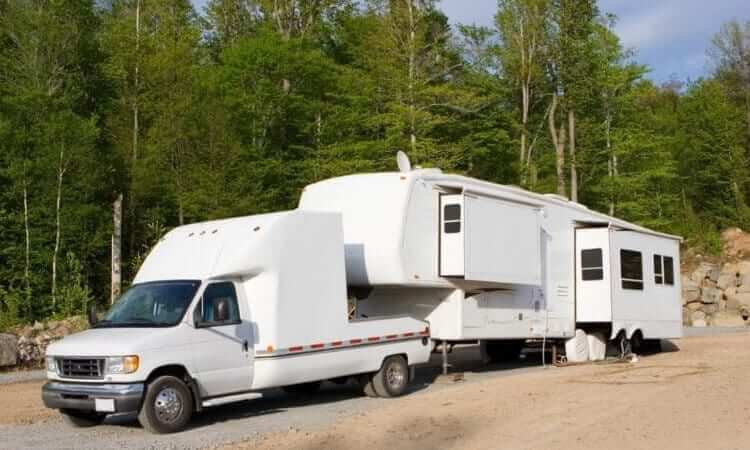 How To Tow A 5th Wheel RV: Tips And Tricks